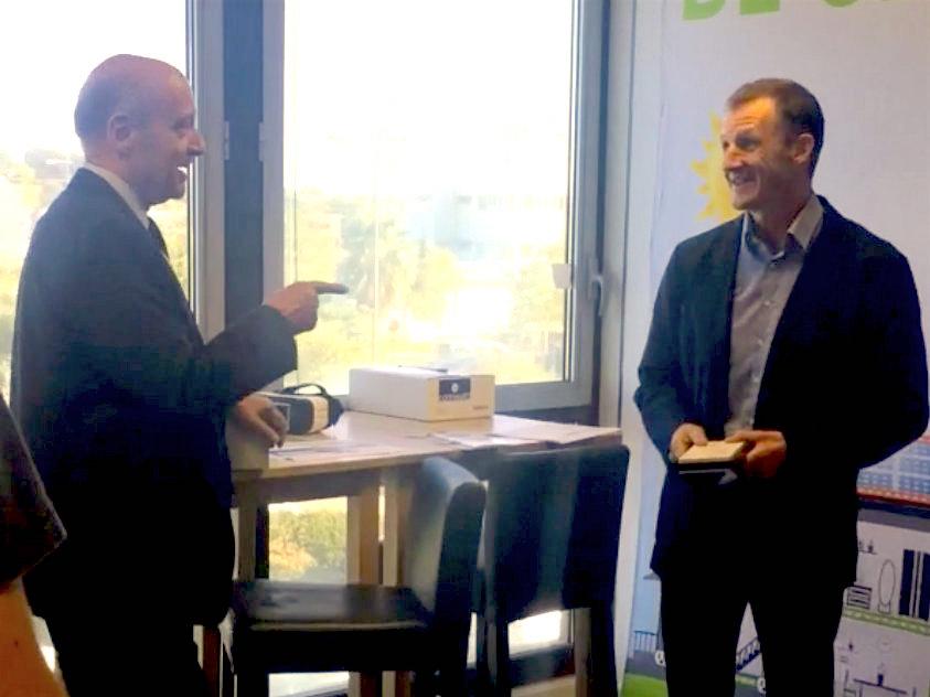 Alain Juppé visite Comwatt pour parler des énergies renouvelables